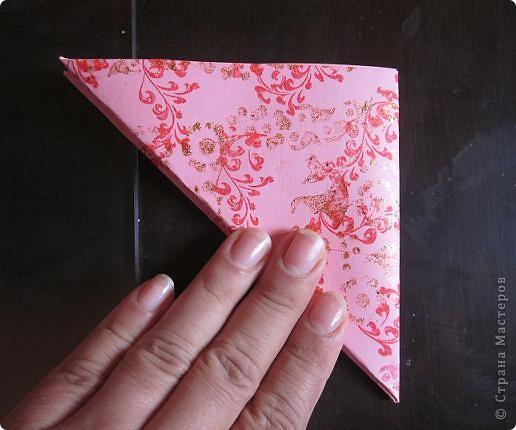Всем доброго времени суток! Хочу поделиться с вами как сделать сувенирный пакетик в форме сердца. Думаю вашим близким будет приятно получить сувенир в такой упаковке.  фото 14