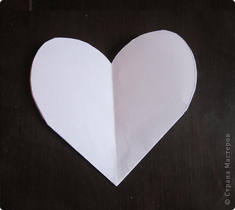 Всем доброго времени суток! Хочу поделиться с вами как сделать сувенирный пакетик в форме сердца. Думаю вашим близким будет приятно получить сувенир в такой упаковке.  фото 15