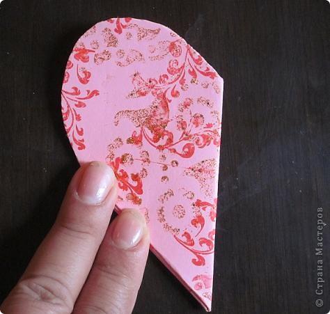 Всем доброго времени суток! Хочу поделиться с вами как сделать сувенирный пакетик в форме сердца. Думаю вашим близким будет приятно получить сувенир в такой упаковке.  фото 18