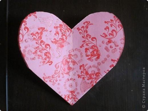 Всем доброго времени суток! Хочу поделиться с вами как сделать сувенирный пакетик в форме сердца. Думаю вашим близким будет приятно получить сувенир в такой упаковке.  фото 19