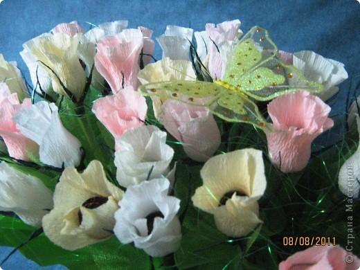 Вот такой букет из 39 конфетных бутонов роз у меня получился. фото 1