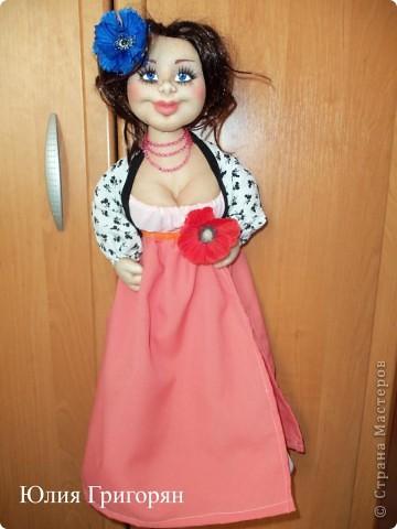 Вот такую куклу-пакетницу сшила я для своей любимой кумушки на День рождения. Большое спасибо Sofi за идею нижней юбки! фото 2