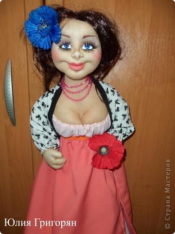 Вот такую куклу-пакетницу сшила я для своей любимой кумушки на День рождения. Большое спасибо Sofi за идею нижней юбки! фото 1