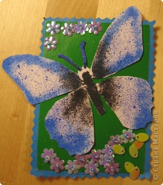Эту серию создала доченька. Бабочки сделаны с помощью блопенов, а цветы вышиты по картону пайетками. фото 3