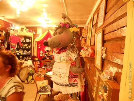 В городе находится единственный в мире, основанный в 1990 году, музей Мыши. Здесь все рассказывает о мышах, это музей подарков из разных стран мира и на любой вкус и фантазию. фото 16