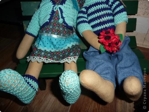 Нам на свадьбу подарили игрушки Юлии Гализдра из Омска.Лавочку делали сами.Может кому понравится идея. фото 4