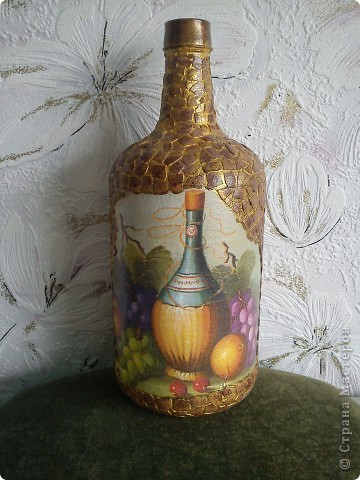 Бутылка из под вина, кракелюр ПВА,обьем герметиком, акрил, лак. фото 2