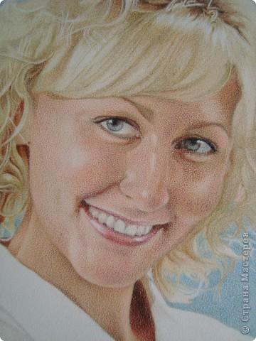 Одна из последних работ. Волосы (сначала) выполнены в технике тиснения и раскрашены карандашами. фото 3