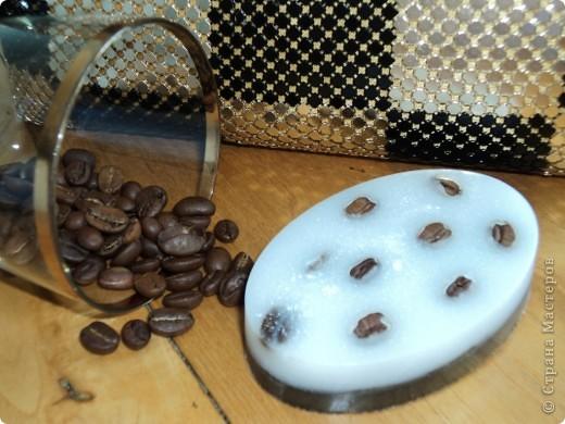Мылко с натуральным кофе, маслами и витаминками. Аромат капучино. Обожаю его!!! фото 1