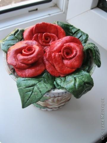 Увидела на сайте розочки из теста, что-то вроде комнатного цветка. Очень понравилось решила сделать свое!  фото 1