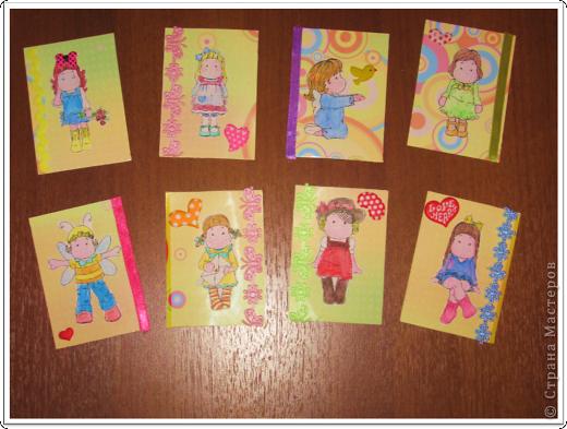Качество фотографиии из рук вон плохо!  Серия состоит из 8 карточек. Тильды распечатаны на принтере и раскрашены акварельными карандашами.