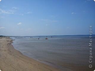 Говорят. где родился. там и пригодился. Поэтому отдыхать люблю дома, в родной Латвии. А если - Латвия, море, значит Юрмала! Национальная гордость страны. Но ,разочарую сразу - не Юрмала.  Там ,конечно хорошо, но суетно, шумно, тесно, дорого, много туристов. После учебного года хочется тишины, покоя. Вот об этом и пойдет речь!  Место, где всегда отдыхаю я ,называется Видземское взморье. Тоже Балтика, тоже Рижский залив. Но ТИШИНА!!! фото 13