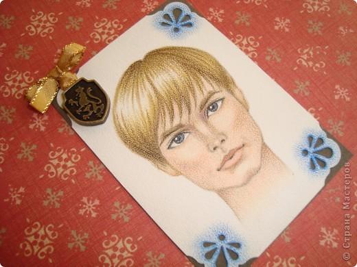 Новая серия миниатюрных портретов от моей сестры! Нарисованны архитектурными фломастерами и акварельными карандашами.  Первой выбирает Анечка Ку, мы давно ей обещали:-)  фото 12