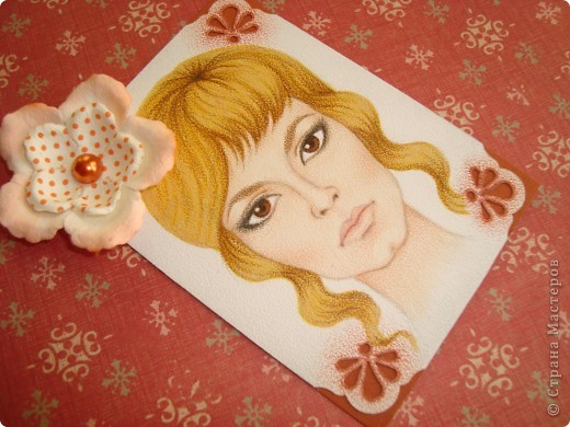 Новая серия миниатюрных портретов от моей сестры! Нарисованны архитектурными фломастерами и акварельными карандашами.  Первой выбирает Анечка Ку, мы давно ей обещали:-)  фото 6