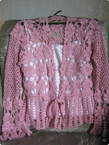 Добрый день, любители вязания. Сегодня хочу показать некоторые свои работы. Эта туничка связалась из остатков пряжи- ангорки 80% для внучки пяти с половиной лет. фото 4