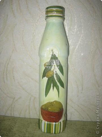 Попалась маленькая бутылочка (250гр), хотела ее под уксус задекупажить, на полку не помещается. Пусть тогда будет оливковая.  фото 1