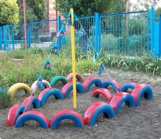 Вот и мы построили лодочку в детском саду из автомобильных покрышек.  фото 1
