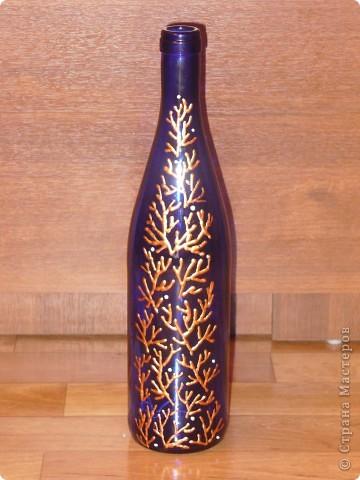 Сестра на работе показала фото набора, который я сделала и О Чудо, набор очень понравился женщине и она заказала 2-ю бутылку к набору. Это фото новой бутылочки. Хозяйка захотела разные по цвету бутылки, но с одинаковым рисунком. фото 7