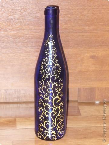 Сестра на работе показала фото набора, который я сделала и О Чудо, набор очень понравился женщине и она заказала 2-ю бутылку к набору. Это фото новой бутылочки. Хозяйка захотела разные по цвету бутылки, но с одинаковым рисунком. фото 8