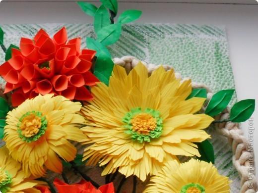 На корейском сайте нашла вот такие цветы, очень понравились, сделала. А вот с оформлением тупиковая ситуация. Попробовала вот такой вариант, что-то не очень нравится... фото 4