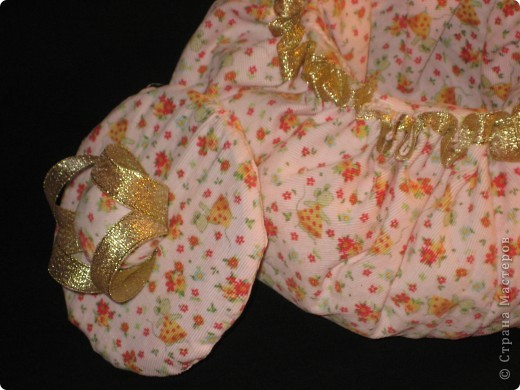 """В дождливый  вечер решила сшить воооот такую вещичку.Спасибо автору """"Настина бабушка""""..мне ее шкатулочка оочень понравилась и мне захотелось такую же.И вот что у меня получилось =) фото 3"""