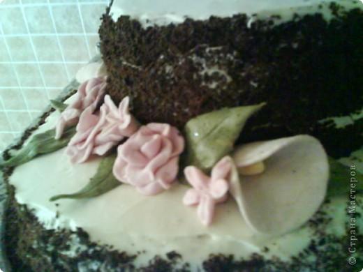 Вот такой тортик я сварганила на День рождение бабушке))) чесно такой большой торт пекла первый раз)) и наконецто получилась мастика, только на этот раз я делала из маршмеллоу а не желатиновую))) фото 6