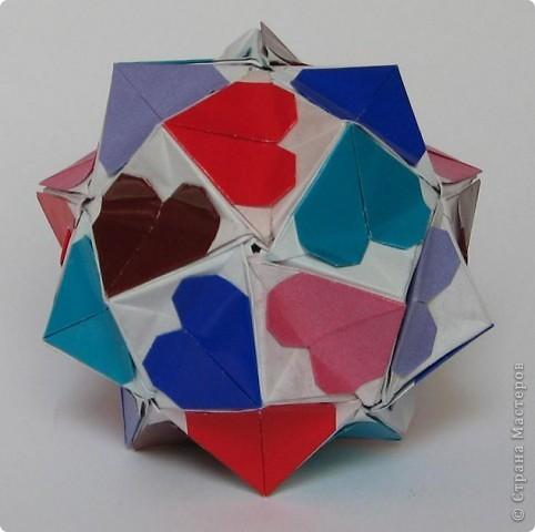Всем привет!  Equilateral triangle unit by David Petty Вот схема: часть1: http://www.davidpetty.me.uk/origamiemporium/bucky1.htm часть2: http://www.davidpetty.me.uk/origamiemporium/bucky2.htm фото 8