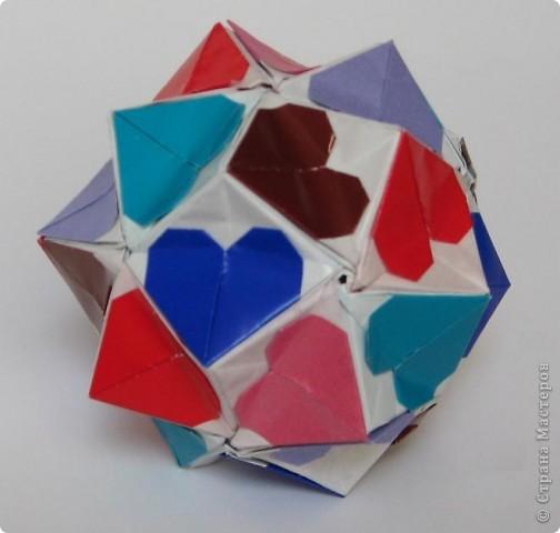 Всем привет!  Equilateral triangle unit by David Petty Вот схема: часть1: http://www.davidpetty.me.uk/origamiemporium/bucky1.htm часть2: http://www.davidpetty.me.uk/origamiemporium/bucky2.htm фото 9