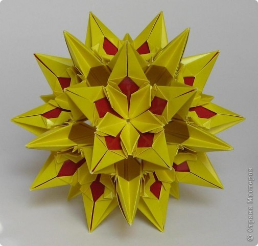 Всем привет!  Equilateral triangle unit by David Petty Вот схема: часть1: http://www.davidpetty.me.uk/origamiemporium/bucky1.htm часть2: http://www.davidpetty.me.uk/origamiemporium/bucky2.htm фото 3
