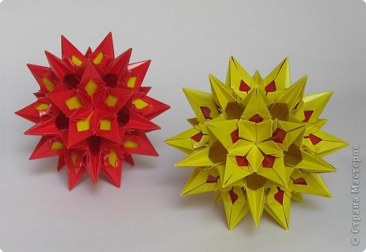 Всем привет!  Equilateral triangle unit by David Petty Вот схема: часть1: http://www.davidpetty.me.uk/origamiemporium/bucky1.htm часть2: http://www.davidpetty.me.uk/origamiemporium/bucky2.htm фото 5