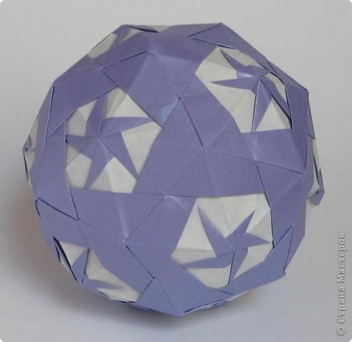 Всем привет!  Equilateral triangle unit by David Petty Вот схема: часть1: http://www.davidpetty.me.uk/origamiemporium/bucky1.htm часть2: http://www.davidpetty.me.uk/origamiemporium/bucky2.htm фото 7