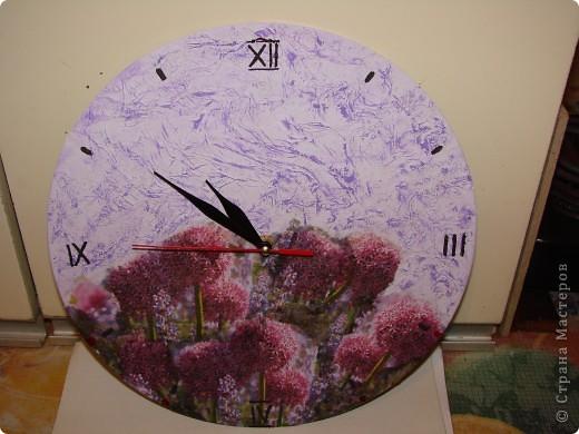 Часы на виниловой пластинке фото 1