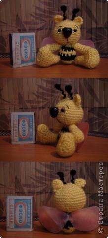 Это мишкапчёл родился у меня вчера, вязался по картинке найденой в интернете. Вот такое маленькое создание живет у меня на цветочном дереве. фото 2