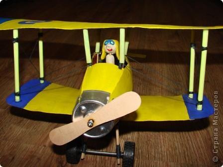 На выставку в детский сад сыну смастерили  аэроплан . фото 3