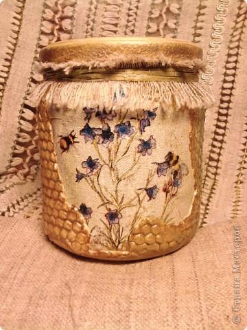 """Баночка с медом -подарочек для хорошего знакомого. Опять же """"слепила из того ,что было""""))) Идею сот позаимствовала  вот здесь  http://dcpg.ru/mclasses/631/  фото 4"""