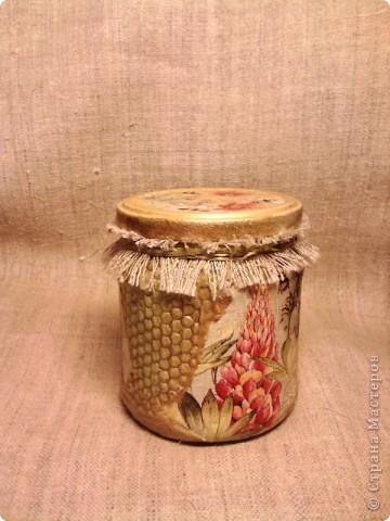 """Баночка с медом -подарочек для хорошего знакомого. Опять же """"слепила из того ,что было""""))) Идею сот позаимствовала  вот здесь  http://dcpg.ru/mclasses/631/  фото 7"""