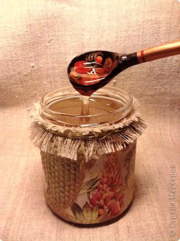 """Баночка с медом -подарочек для хорошего знакомого. Опять же """"слепила из того ,что было""""))) Идею сот позаимствовала  вот здесь  http://dcpg.ru/mclasses/631/  фото 9"""