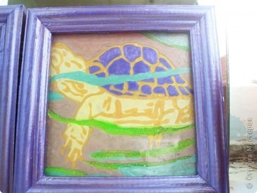Делали картинки с дочерью Дианой, я работала со стеклом а она красила рамочки. По моему неплохо получилось. Роза - рисунок с обоев. фото 2