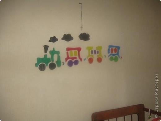 Вот такой паровоз  я сделала ребенку в детскую. фото 2