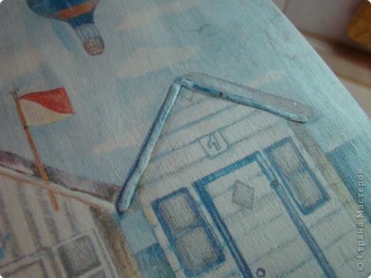 Сделала вот такую ключницу ( вторую в своей жизни) Коллаж из салфетки, лесировка белым, конечно же бейц, и 3D гель фото 3