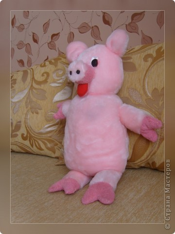 Эту свинку я подарила маме на 8 Марта фото 2