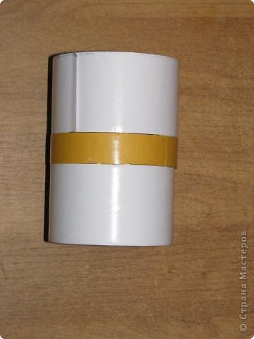 Подарочная коробочка из рулончиков от скотча фото 3