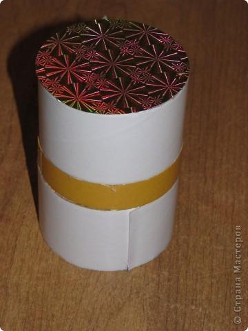 Подарочная коробочка из рулончиков от скотча фото 4