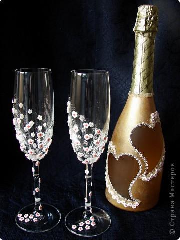 Этот набор из бокалов и бутылки делала почти год назад на свадьбу друзьям фото 1