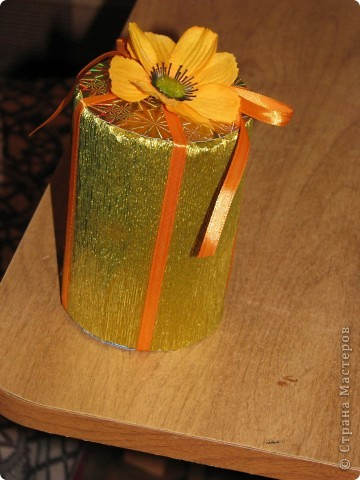 Подарочная коробочка из рулончиков от скотча фото 1