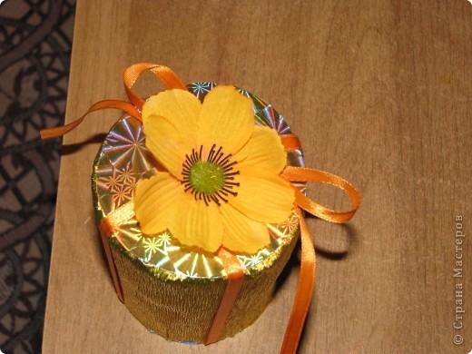 Подарочная коробочка из рулончиков от скотча фото 10