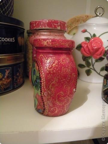 Вот такая коробочка получилась из коробки от чайного сервиза. Была красная, картонная, а стала не красная, но все еще картонная фото 24
