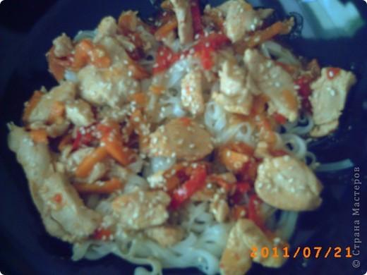 Мастерицы! Предлагаю побаловать себя и своих родных блюдом в азиатском стиле! Готовится легко и быстро, а впечатлений - масса! Все поэтапно запечатлела в виде МК! фото 1
