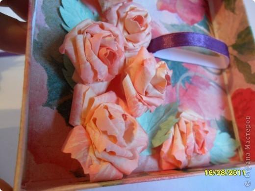 Коробочка создана МК MU-Ha: http://mu-ha.blogspot.com/2009/09/blog-post_11.html. Оказывается делать их очень интересно и нисколько не сложно. Советую всем. фото 3