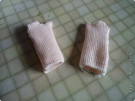Вот такого малыша из носочка я сшила-веселый позитивный малыш!Самое сложное в его изготовлении-найти подходящие носки. фото 17